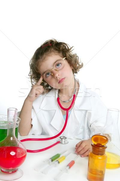 Foto stock: Menina · médico · laboratório · escolas · feliz · coração