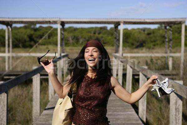 Piękna kobieta turystycznych uruchomiony piękna charakter Zdjęcia stock © lunamarina
