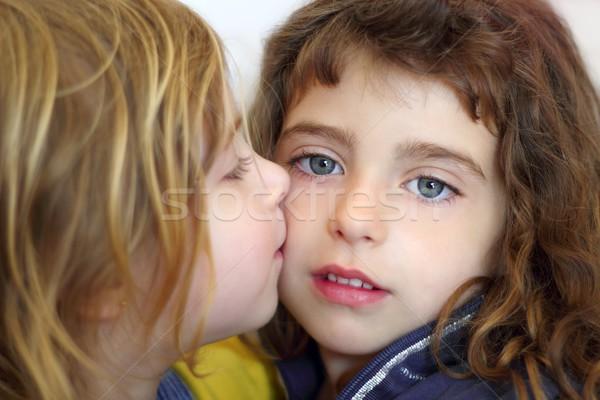 Rubio nina besar hija ojos azules hermana Foto stock © lunamarina