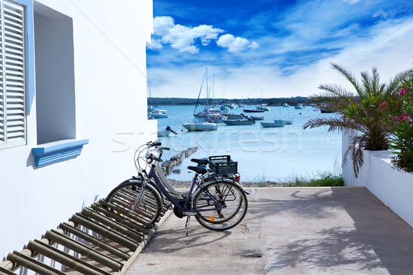Rowery parking biały morze Śródziemne domów plaży Zdjęcia stock © lunamarina