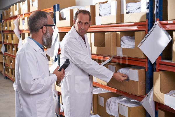 Entrepôt superviseur gestionnaire hommes textiles mode Photo stock © lunamarina
