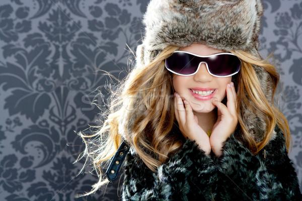 ストックフォト: 子供 · ファッション · ブロンド · 少女 · 毛皮 · 冬