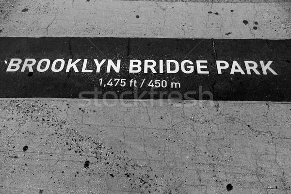 Híd park festett padló NY felirat Stock fotó © lunamarina