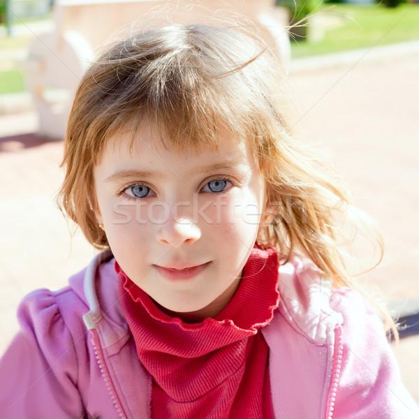 Loiro little girl olhos azuis retrato rosa inverno Foto stock © lunamarina