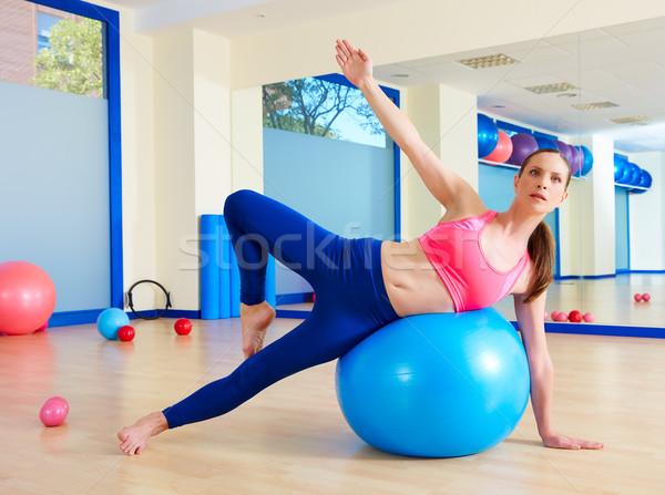Foto stock: Pilates · mujer · ejercicio · entrenamiento · gimnasio