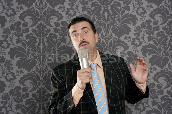 Nerd retro wąsy człowiek mikrofon śpiewu Zdjęcia stock © lunamarina