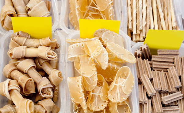 Cane alimentare ossa scarpa forme stick Foto d'archivio © lunamarina