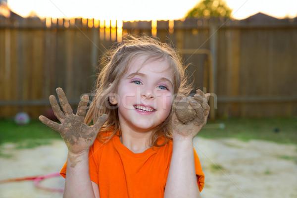 Dzieci dziewczyna gry błoto piasku piłka Zdjęcia stock © lunamarina