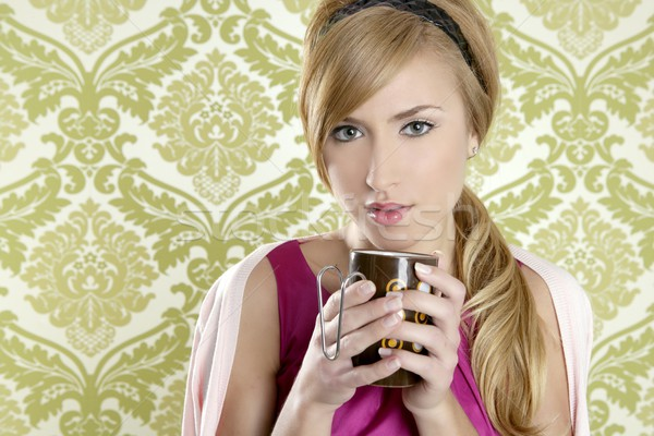 Stockfoto: Koffie · retro · vrouw · vintage · beker · portret