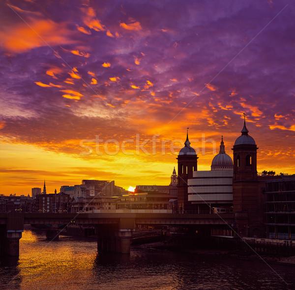 Londen zonsondergang theems stad oranje Stockfoto © lunamarina