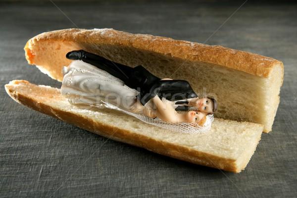 Bruiloft beeldje brood sandwich huwelijk metafoor Stockfoto © lunamarina