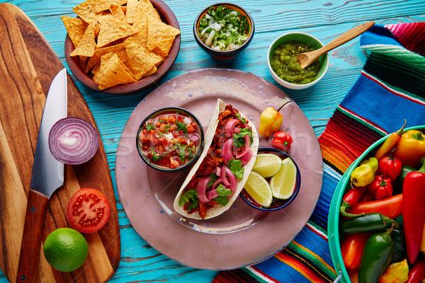 Stok fotoğraf: Meksika · yemekleri · limon · çili · ahşap · mavi · kırmızı