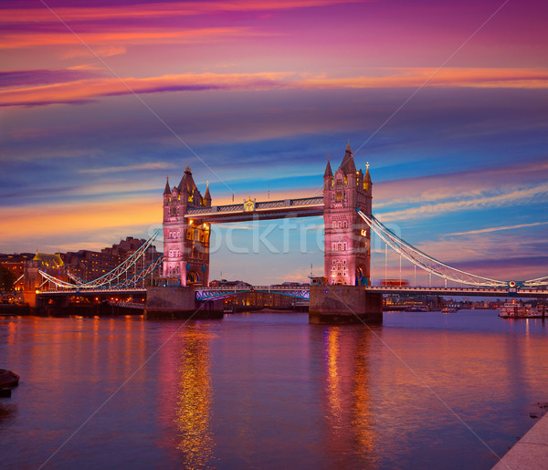 Londres Tower Bridge pôr do sol rio inglaterra Foto stock © lunamarina