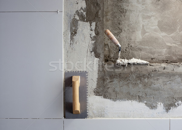 Photo stock: Construction · outils · tuiles · homme · mur · travaux