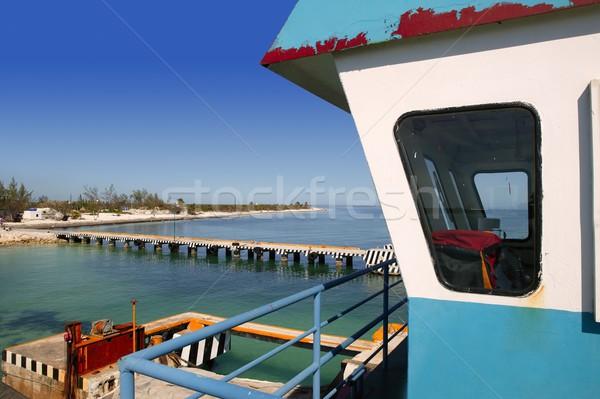 Barco balsa controlar cabine caribbean mar Foto stock © lunamarina