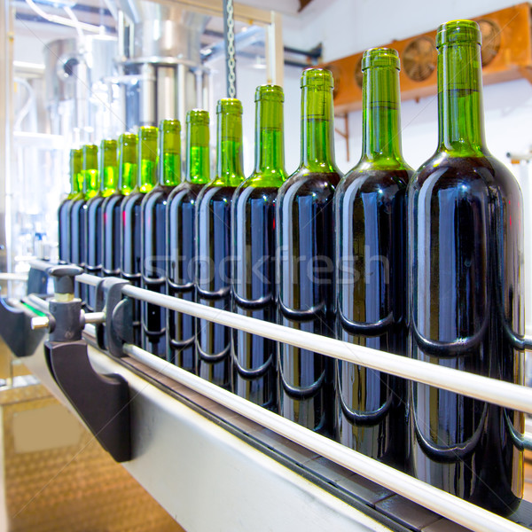 Vin rouge machine Winery verre industrie usine Photo stock © lunamarina