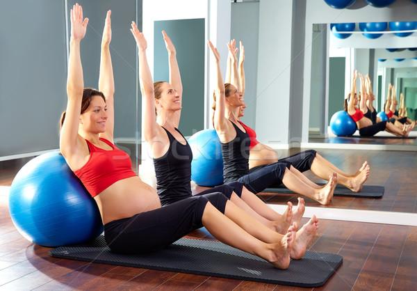 Femme enceinte pilates exercice gymnase fille Photo stock © lunamarina