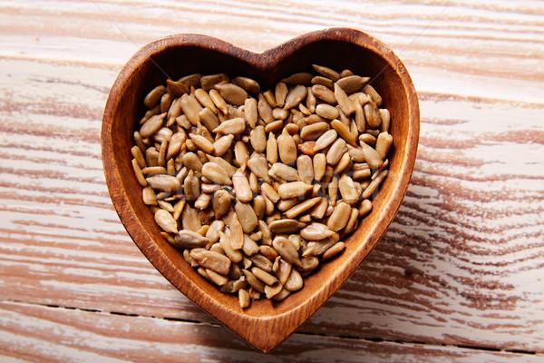 ヒマワリ 種子 木製 心臓の形態 ボウル 木材 ストックフォト © lunamarina