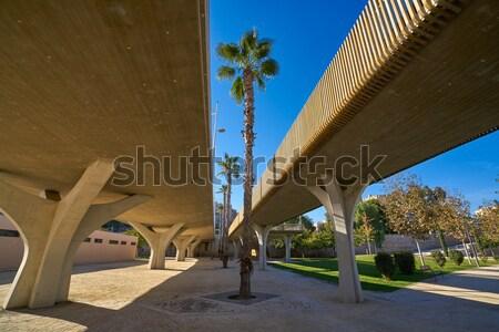 Valencia híd alulról fotózva kilátás kertek park Stock fotó © lunamarina