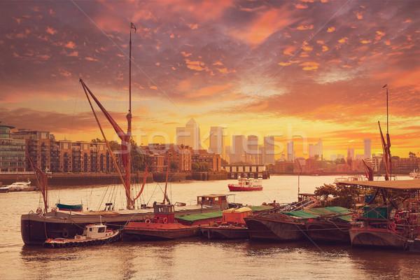 London Temze folyó hajók Anglia naplemente Stock fotó © lunamarina