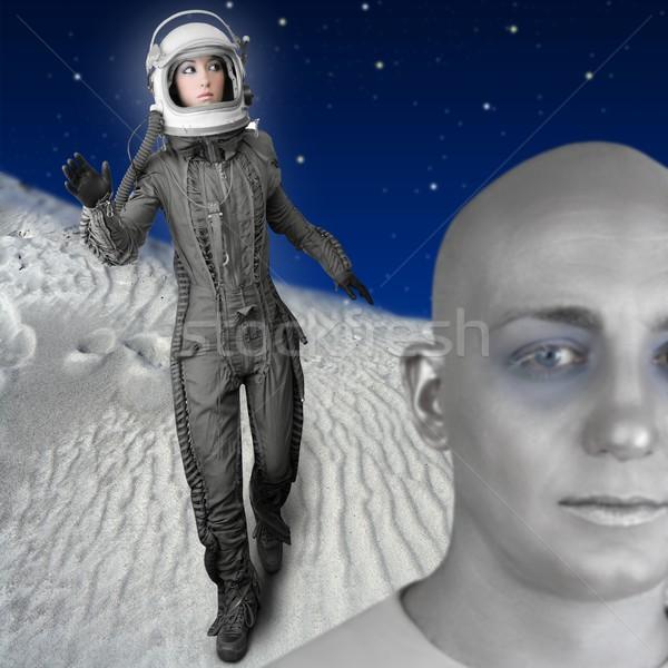астронавт моде стоять женщину пространстве костюм Сток-фото © lunamarina