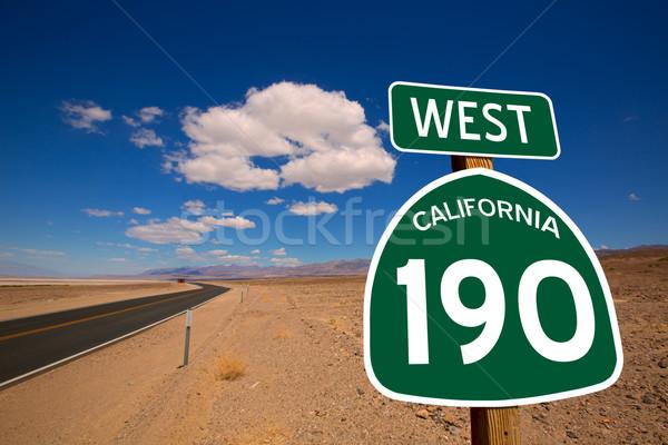 Pustyni trasy śmierci dolinie California znak drogowy Zdjęcia stock © lunamarina