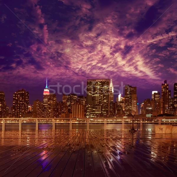 Foto stock: Manhattan · Nova · Iorque · pôr · do · sol · linha · do · horizonte · chuvoso · crepúsculo