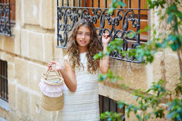 Brunetka turystycznych dziecko dziewczyna morze Śródziemne biały Zdjęcia stock © lunamarina