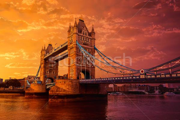 Londres Tower Bridge thames rivière coucher du soleil Angleterre Photo stock © lunamarina