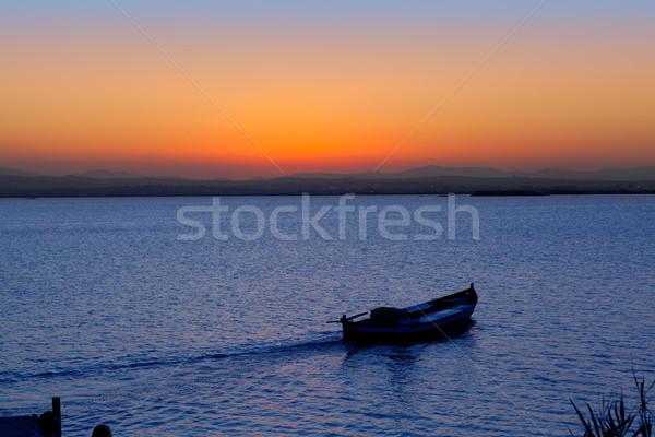 Naplemente csónak tó Valencia mediterrán Spanyolország Stock fotó © lunamarina