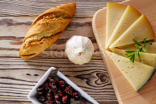 地中海料理 パン ローフ ニンニク チーズ オリーブ ストックフォト © lunamarina