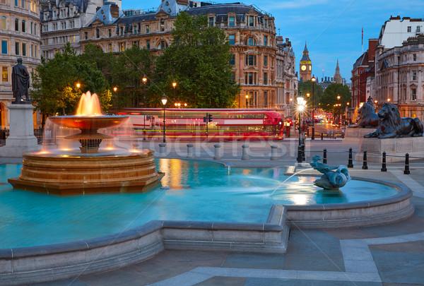 Londres carré fontaine coucher du soleil Angleterre ciel Photo stock © lunamarina