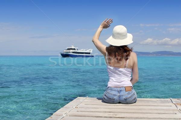 женщину туристических до свидания лодка жест Сток-фото © lunamarina
