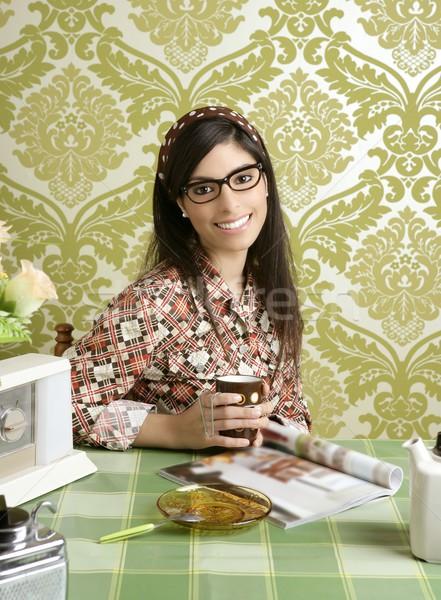 Zdjęcia stock: Kafejka · retro · kobieta · kuchnia · kawy · magazyn
