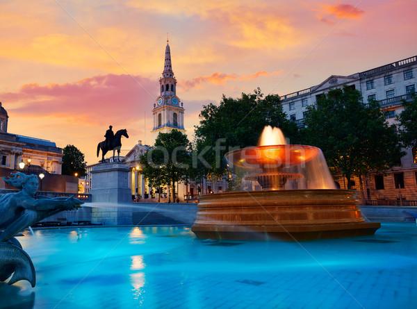 ロンドン 広場 噴水 日没 イングランド 空 ストックフォト © lunamarina