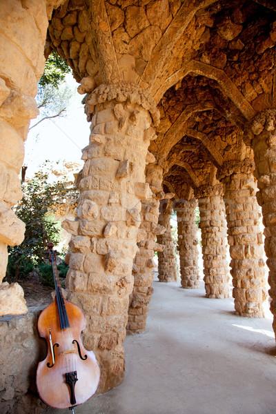 Barcelona park kő oszlopok kőművesmunka terv Stock fotó © lunamarina