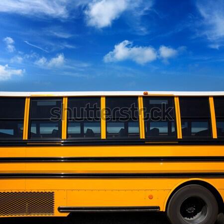 Amerikan tipik okul otobüsü yandan görünüş mavi gökyüzü gün Stok fotoğraf © lunamarina