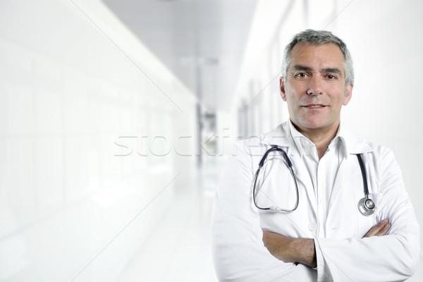 ősz haj szakértelem idős orvos kórház portré Stock fotó © lunamarina
