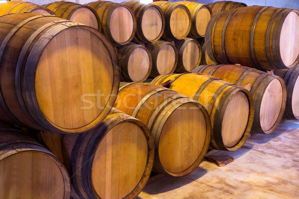 Wijn houten eiken rij wijnmakerij Stockfoto © lunamarina
