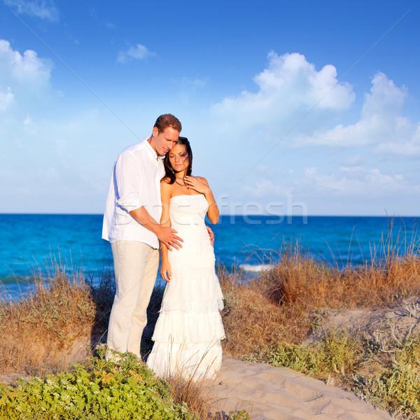 ストックフォト: カップル · 愛 · ビーチ · 地中海 · 砂丘 · 海