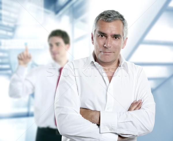 Starszy siwe włosy kierownik biuro nowoczesne biały Zdjęcia stock © lunamarina
