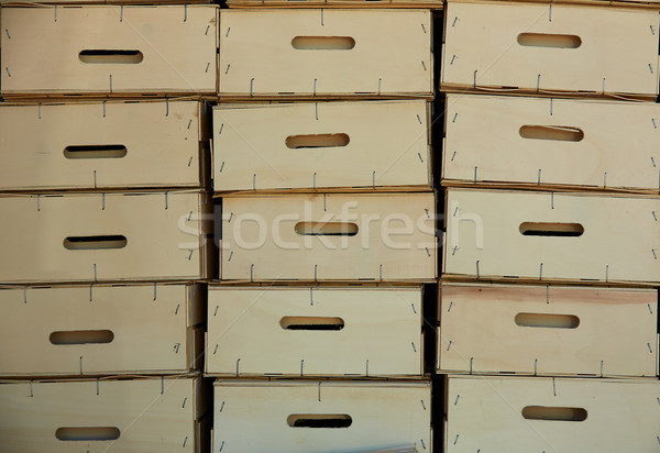 Agricultor cosecha cajas Foto stock © lunamarina