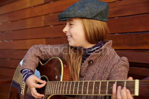 Kid девушки играет гитаре зима Сток-фото © lunamarina