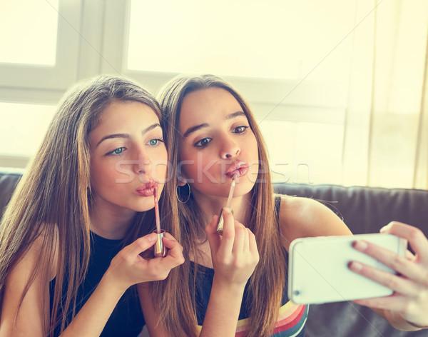 подростку девочек Лучшие друзья макияж камеры смартфон Сток-фото © lunamarina