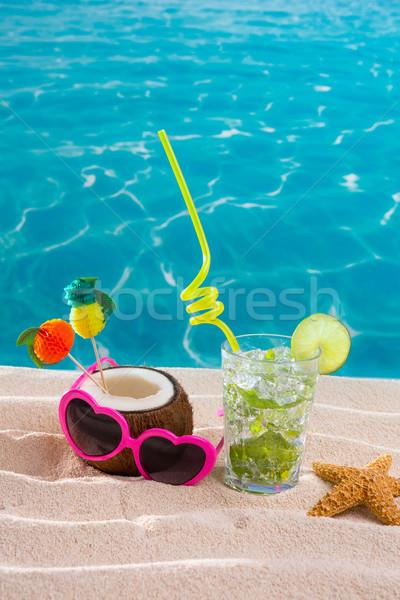Mojito koktél tengerparti homok kókusz napszemüveg nyári vakáció Stock fotó © lunamarina