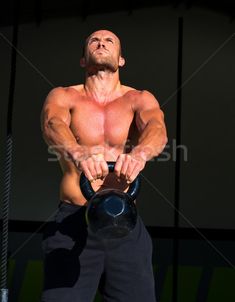 Crossfit Swing exercice homme entraînement fitness Photo stock © lunamarina