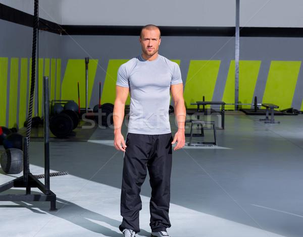 Fitnessz férfi crossfit tornaterem áll klub Stock fotó © lunamarina
