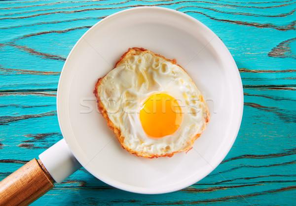 Ei einfach weiß pan Holzbrett Essen Stock foto © lunamarina