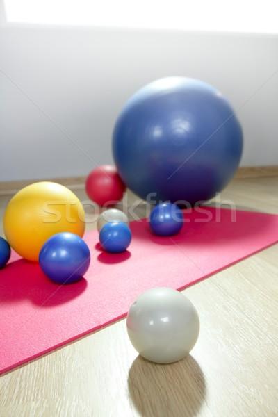 Estabilidad pilates deporte gimnasio estera de yoga Foto stock © lunamarina