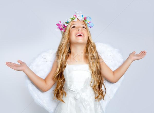 Stok fotoğraf: çocuklar · melek · kız · gökyüzü · açmak